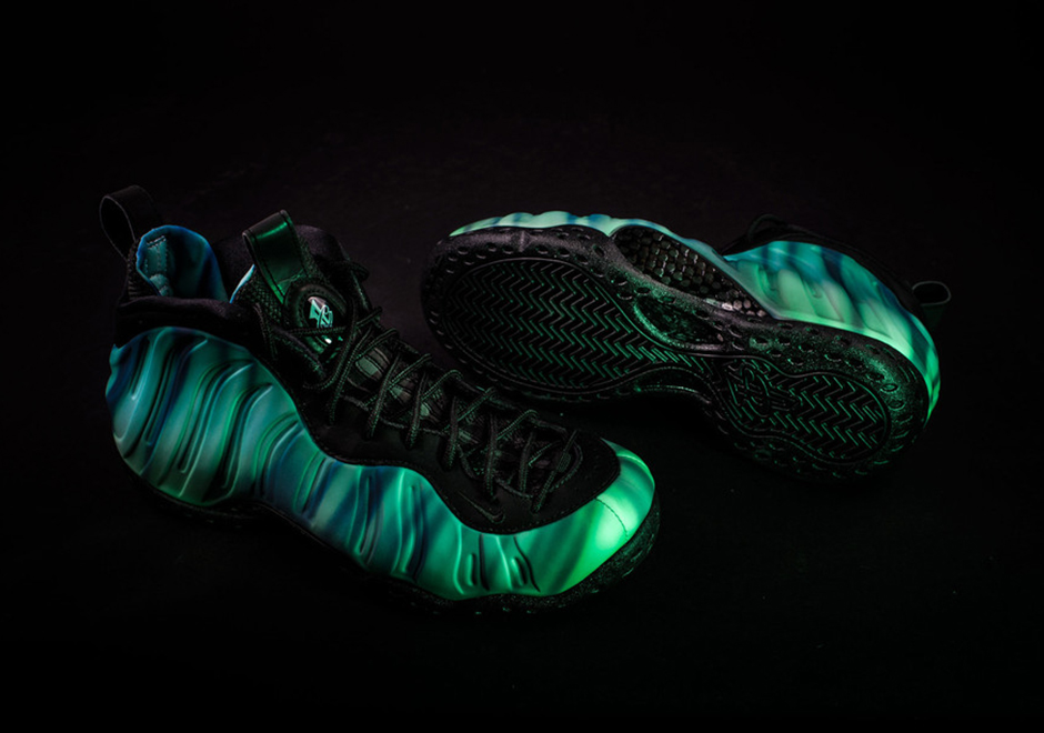 nike-air-foamposite-one-all-star-2016-northern-lights3