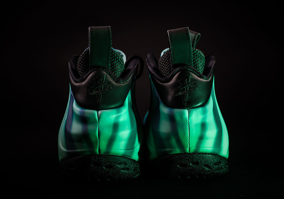 nike-air-foamposite-one-all-star-2016-northern-lights4
