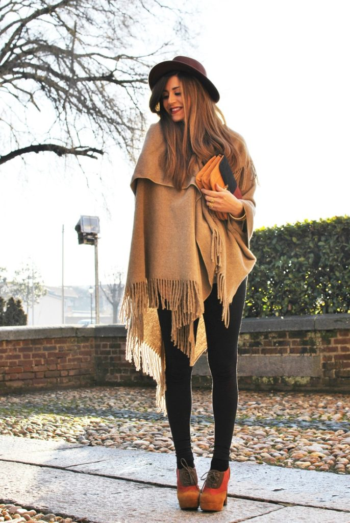 poncho-outfit