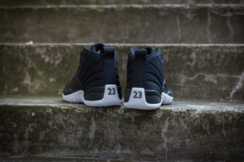 air-jordan-12-retro-black-gym-red-white2