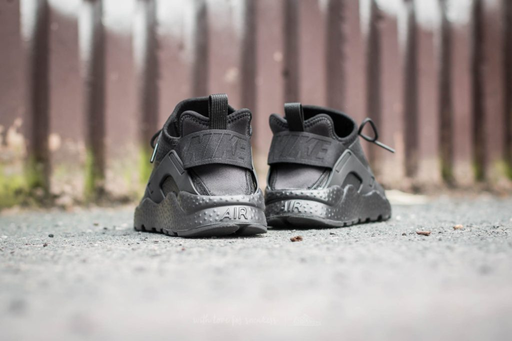 nike-w-air-huarache-run-ultra-premium-black-black