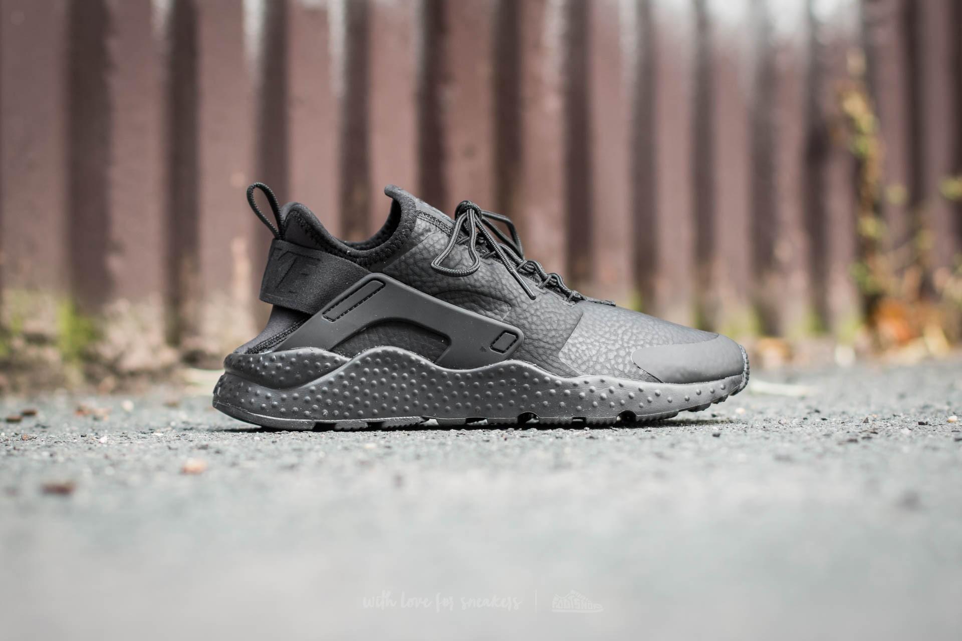 a7b1632b58e Dámské tenisky Nike Huarache Run v černém provedení