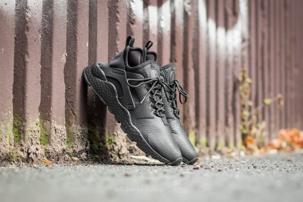 nike-w-air-huarache-run-ultra-premium-black-black2