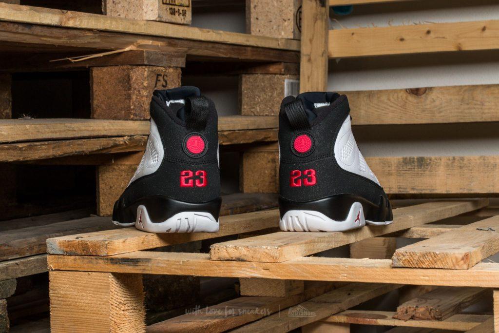 air-jordan-9-retro-white-true-red-black2