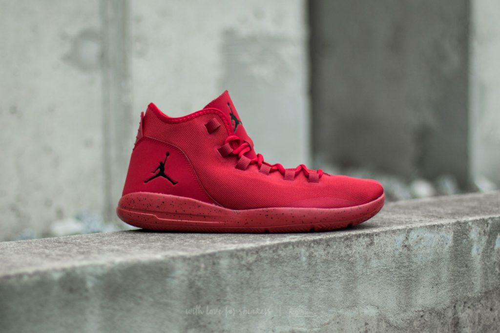 jordan-reveal-gym-red-black-infrared-11