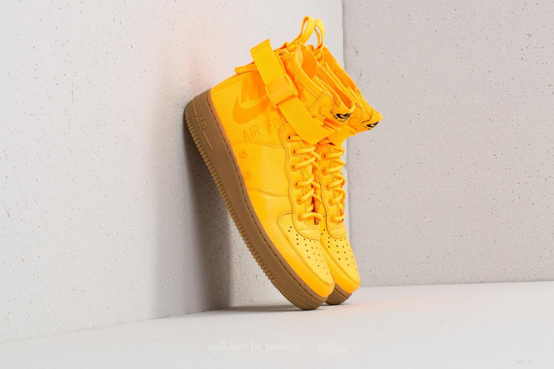 e45b74090f173 Buď vidět s exkluzivními sneakers Nike SF Air Force 1 MID ...