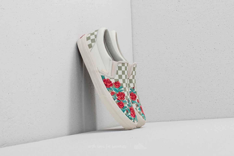 ac37eb151d Tématické Vansky Slip-On a Old Skool s růžemi. Edice Rose Embroidery ...